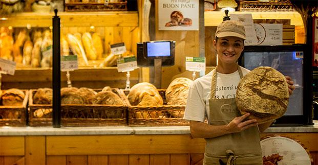 Pane, pizza e... - Scopri i prodotti che sforniamo freschi ogni giorno.